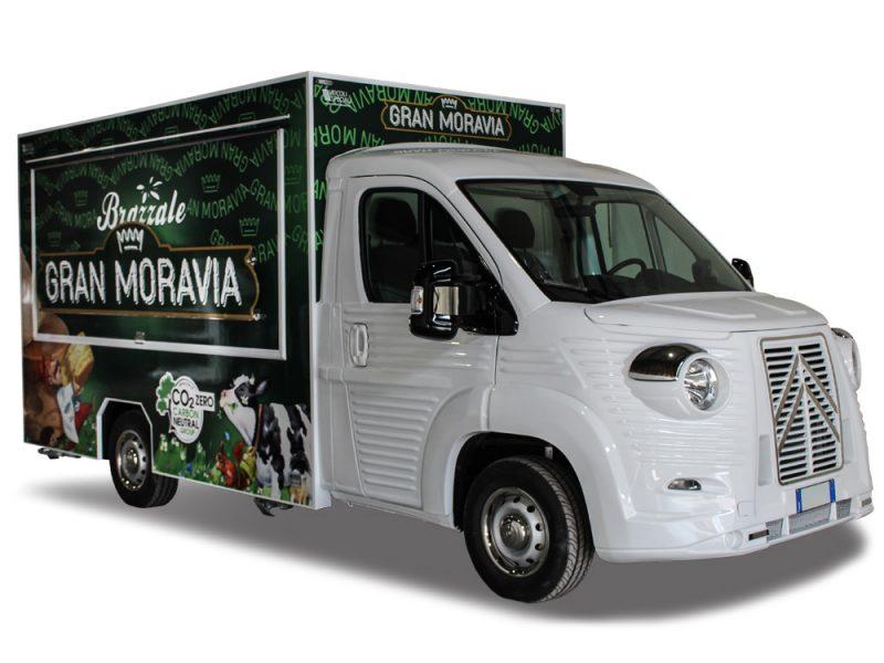food truck dedicato al formaggio brazzale gran moravia e altri prodotti caseari