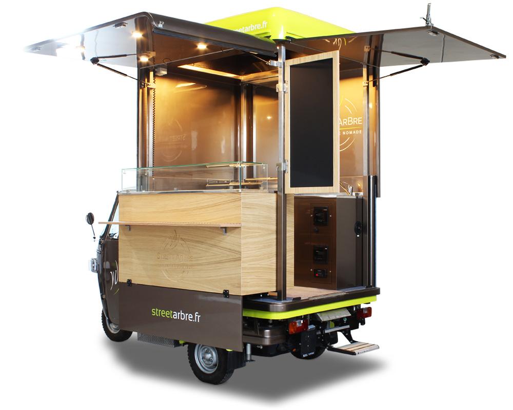 mini food truck Ape V-Curve progettato per offrire il servizio catering e delivery dello chef francese Yoranne
